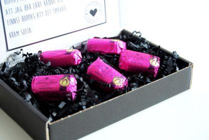 Skicka choklad och hälsning